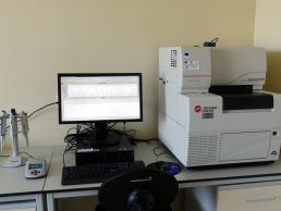 9. Sistem secventiere prin electroforeza capilara pentru acizi nucleici ADN