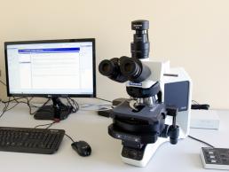 4. Microscop cu camera digitala